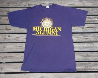 Vintage 80's / 90's University of Michigan Wolverines Alumni t-shirt maize and blue t-shirt XL Made in USA