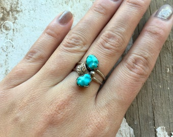 Vintage Sterling Silver + 2 Stone Turquoise Native American Southwestern Women's Ring size 7 with Leaf Embellishments