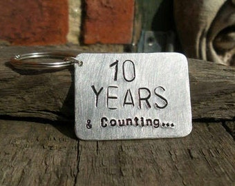 10 Year Wedding Anniversary Tin Aluminium Keyring Keychain Ten YEARS and Counting Gifts for Men Him Tenth Husband Wife Jewelry  FREE POST