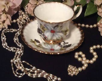 Royal imperial Finest Bone China, Made in England, Teacup and Saucer, Magnolia patter, Trimmed in Gold