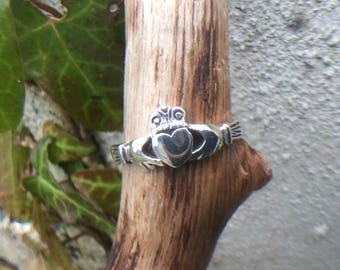 Irish Claddagh Ring, Size 5, 8, Claddagh, Ireland, Irish, Friendship, Love, Loyalty, TheIrishPenny, Irlanda, VisitIreland,  IrelandsRing