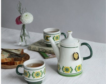 Ceramic Scandinavian Modern Tea Set with Retro Floral Pattern   A Set of One Teapot & Two Tea Cups   Coffee Cups   Forest Green