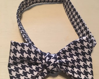Navy & White Hounds Tooth