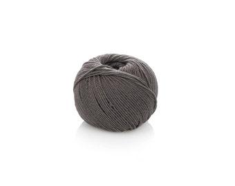 Light Worsted Merino Yarn - Grey Wool Yarn DK - Superwash Soft Merino Yarn - Grey Knitting Yarn 8-ply - Merino wool - Dark grey crochet yarn