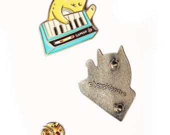 80s new wave cat enamel pin punk lapel pin synthesizer pin, keyboard cat pin synth pin badge, enamel cat pin, 80s pins new wave music brooch