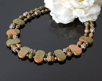 Unakite Beaded Necklace Green Natural Gemstone Necklace Statement Necklace for Wife Christmas Beauty Gift Birthday Clothing Gift for her