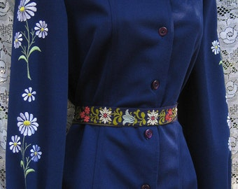 Embroidered Blouse Pants Set, embroidered shirt slacks set, dark midnight blue with daisy embroidery, 1960s 60s blouse shirt patns set