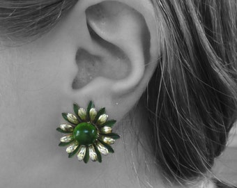 Vintage Green & Gold Tone Flower Clip On Earrings