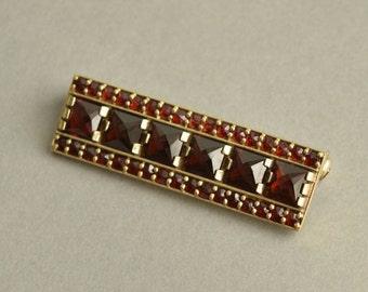 Art Deco Bohemian Garnet Bar Brooch Pin