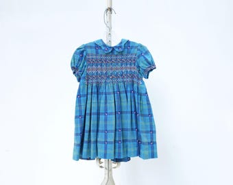 Vintage Girls Dress 1960s Girls Dress 2 to 3 years Girls Plaid Dress Blue Cotton Dress Puff Sleeve Dress Smocked Dress 2T / 3T