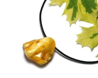 Original natural AMBER: necklace modern yellow amber Pendant (P60)