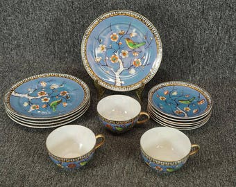 Takito Hand Painted Porcelain Dinnerware 14 Pieces Plates Cups Saucers C. 1930's