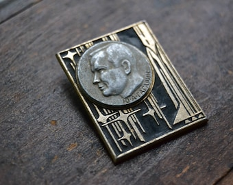 Vintage collectible badge, Cosmonaut pin, Gagarin, Yuri Gagarin Portrait, Cosmonaut Pin, Soviet Vintage Rocket Pin, Cosmos pin, Made in USSR