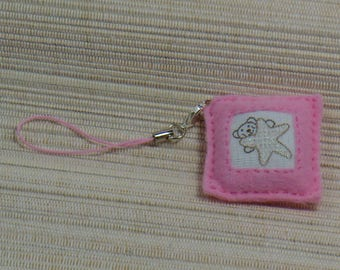 Wearable jewelry pink bear and star felt square