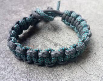 Blue and gray, unisex macrame Paracord Bracelet