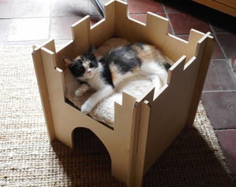 Wooden Cat Castle, Playhouse