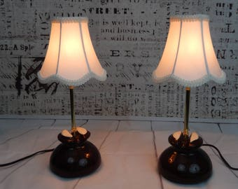 Antique porcelain insulator accent lamp with shade