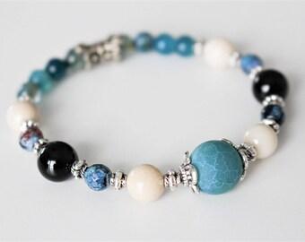 Gemstone bracelet, blue agate, onyx