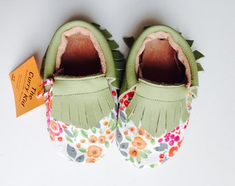 Handmade genuine leather moccasins in pistachio with floral fabric overlay