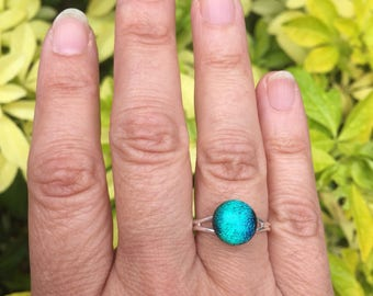 Emerald green ring, Small green ring, green sparkly ring, green glass ring, green dichroic ring, fused glass ring, green silver ring