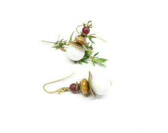 Blanca - Earrings brass White Pearl with red beads and Red bordeaux pearls.