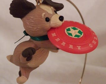 """1984 Hallmark """"Frisbee Puppy"""" - QX4444"""