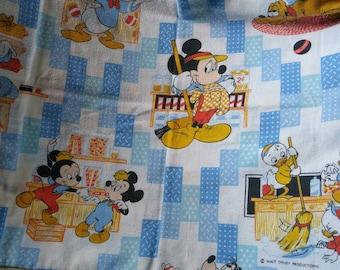 Flannel pillowcase Walt Disney Productions / General Store / mickey , minnie , huey , dewey and louie, goofy , donald duck