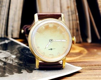 USSR Vintage Pobeda Victory  Russian Soviet Mens Watch with new leather strap