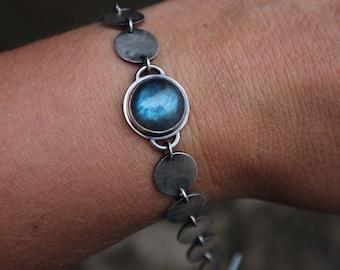 Silver disc labradorite bracelet