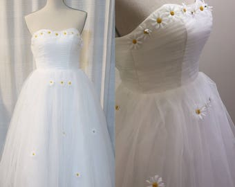 Vintage style daisy wedding dress / prom dress! Strapless,white tea-length; A modern-reproduction of the 1950s