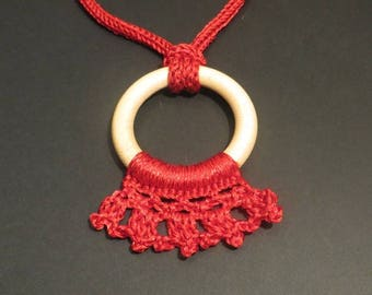 "Necklace ""Crown upside"" bright red"