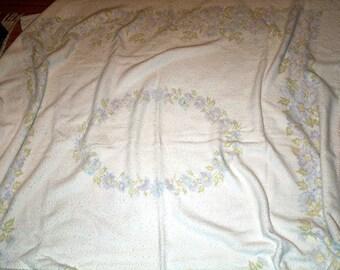 VINTAGE FLORAL  Blanket