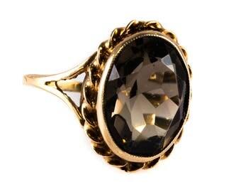 9ct Yellow Gold Vintage Large Oval Smoky Quartz Dress Ring