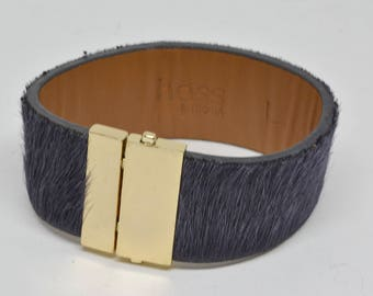 Gold Tone and Leather Purple color Bracelet