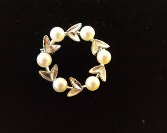 Vintage Sterling Silver Cultured Pearl Brooch 1950s Wreath Pin