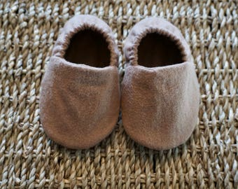 Tan Baby Shoes, Baby Boy Shoes, Crib Shoes, Soft Sole Baby Shoes, Baby Bootie, Baby Moccs, Baby Moccasins, Baby Booties, Baby Shower Gift