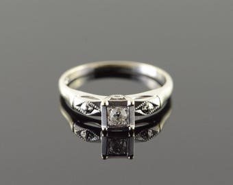 14k Vintage 0.10 CTW Diamond 3 Stone Engagement Ring Gold