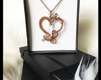 Necklace heart shaped Swarovski crystals and moonstones