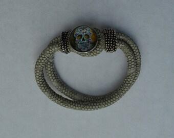 chunk beige leather bracelet skull