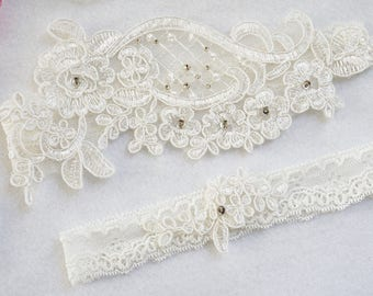 OFF WHITE wedding garter set, customizable, bridal garter, lace garter, keepsake and toss garter, wedding garter, flower garter, monogram