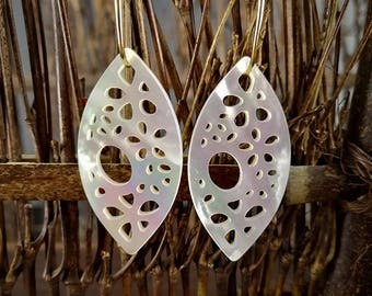 2 Pieces 40x20mm White Mother of Pearl Marquise Filigree Pendant White Shell Marquise Shape Pendant
