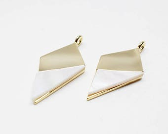 P0664/Anti-Tarnished Gold Plating Over Brass+White Mother Of Pearl /Rhombus White Mother Of Pearl Pendant/10x18mm/2pcs