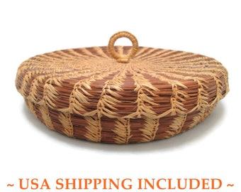 Native American Lidded Coiled Pine Needle Basket Louisiana Tribal Art