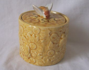 Secla Pottery Honey Pot - Bees and Flowers with Bee Lid