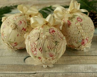 Shabby Chic Christmas, decorations handmade, Christmas baubles, lace ornaments, bauble set, fabric ornaments, shabby chic Christmas gifts
