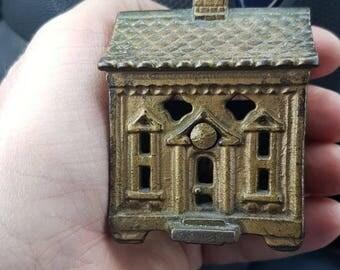 Quadrafoil House /Cast Iron Still Bank