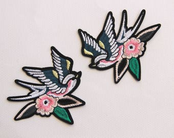 A Pair of Swallows Embroidery Iron On Applique Patch,Embroideried Birds Patch Supplies for Coat,T-Shirt,Jeans,Decorative Iron on Patches