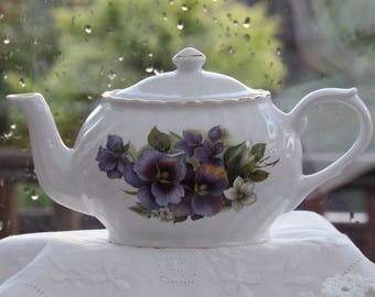 Arthur Wood, Vintage Teapot, Fluted Teapot with Pansies, Made in England, 1950's