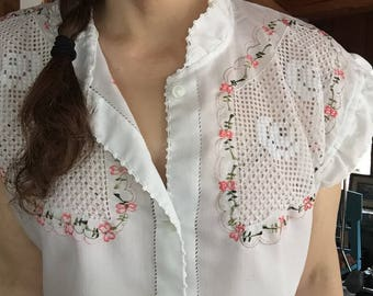 70s Embroidered Button-up Blouse