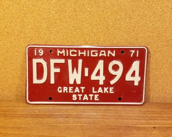 Vintage Michigan License Plate 1971 red and white